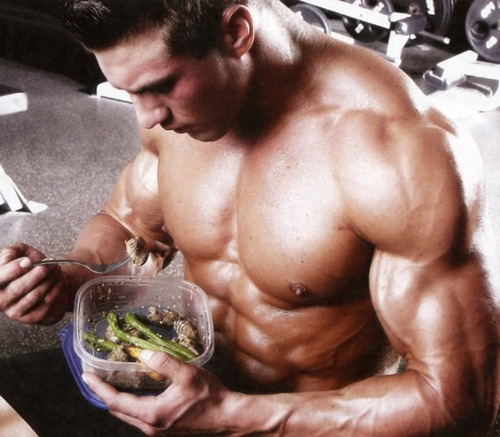 fit-guy-eating